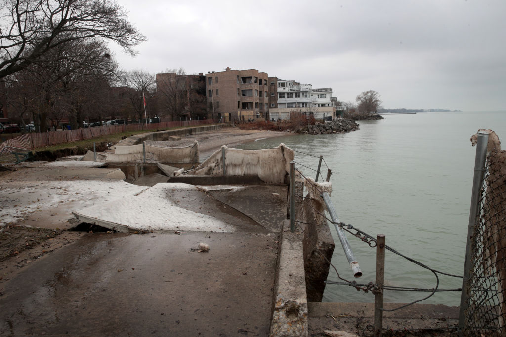 Rising waters threaten Great Lakes communities